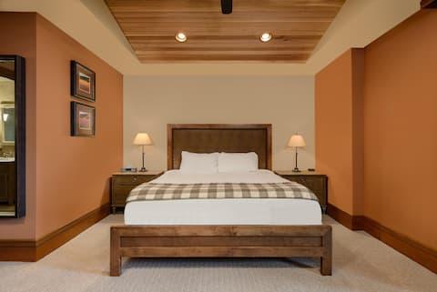 Ranch House Guestroom Bedroom.jpg