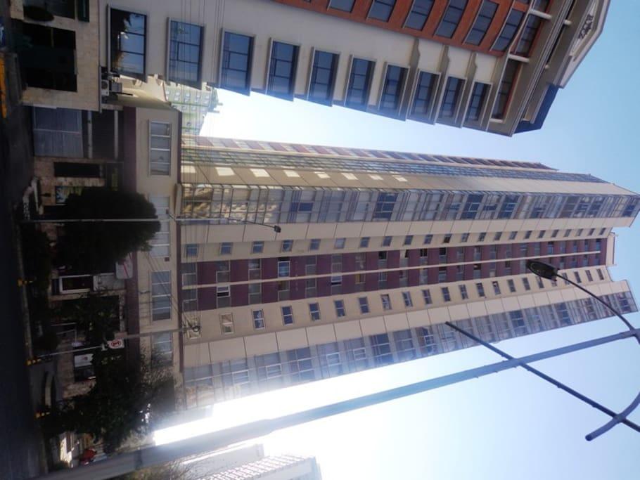 Fernando V building