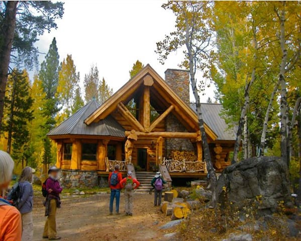 Secluded Storybook Log Cabin