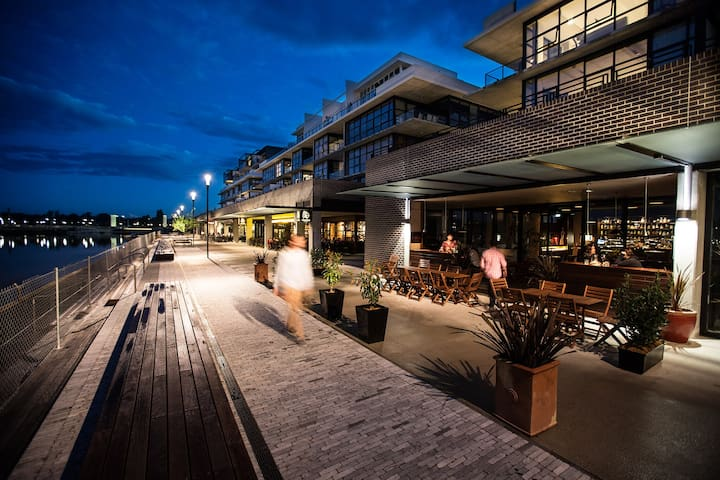 Dockside at the Kingston Foreshore
