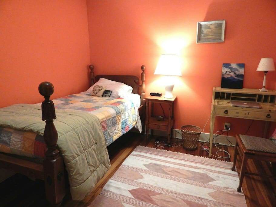 Main bedroom, single bed. Private.