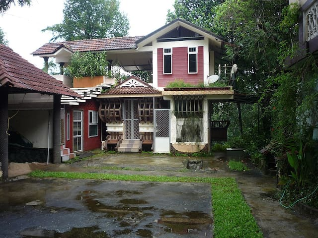 Unique New Studio House - Thodupuzha - Rumah
