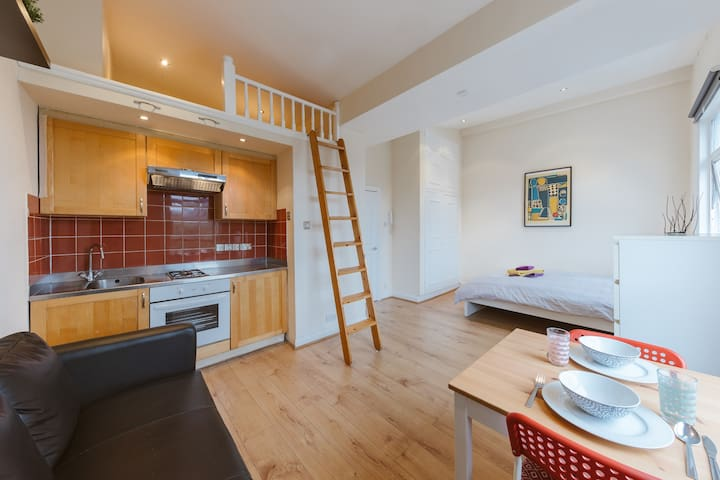 Cozy Studio Flat in Ladbroke Grove