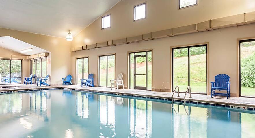 PRIVATE UNIT @ Resort w/ Pool Game Room Sauna MORE