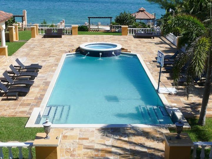 Villa by The Sea @ Casa Al Mare