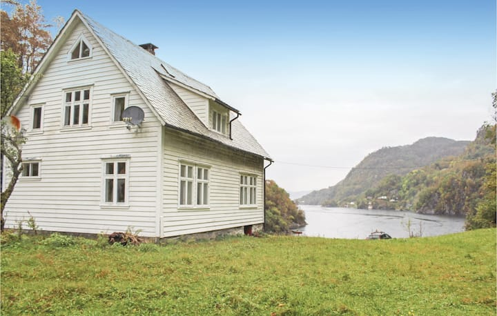 Stunning home in Lundegrend with 3 Bedrooms