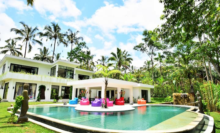 6BR Private Pool Villa with Jungle & Valley view