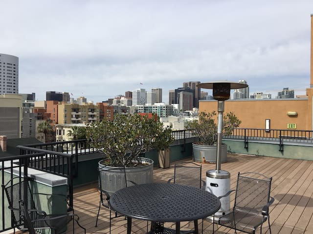 Dwtn Master Bedroom - Great Rooftop - San Diego - Apartment