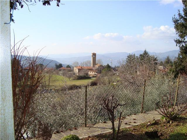 In the middle of tuscan hills - Rufina - House