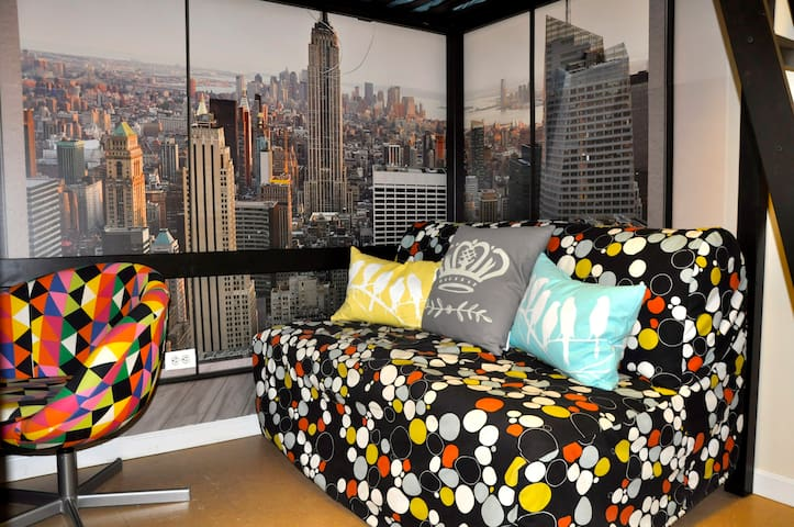 Modern Private Room/15min to NYC - Brooklyn - Condominio