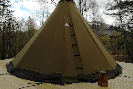 Lavvo/tipi at Camp Fagerli