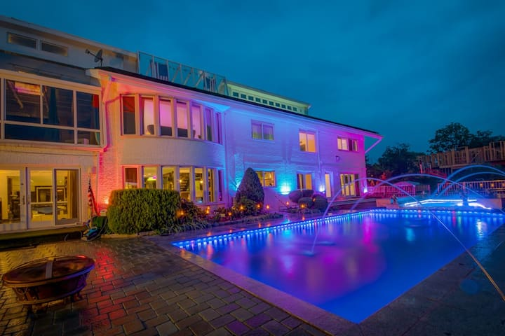 ★ Luxury Bayside ★ Upscale Mansion ❤ of Queens NY