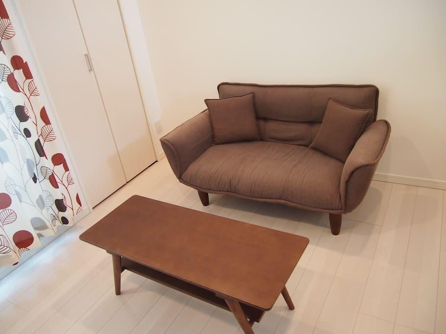 2人掛け用のソファーです。reclining two parsons sofa