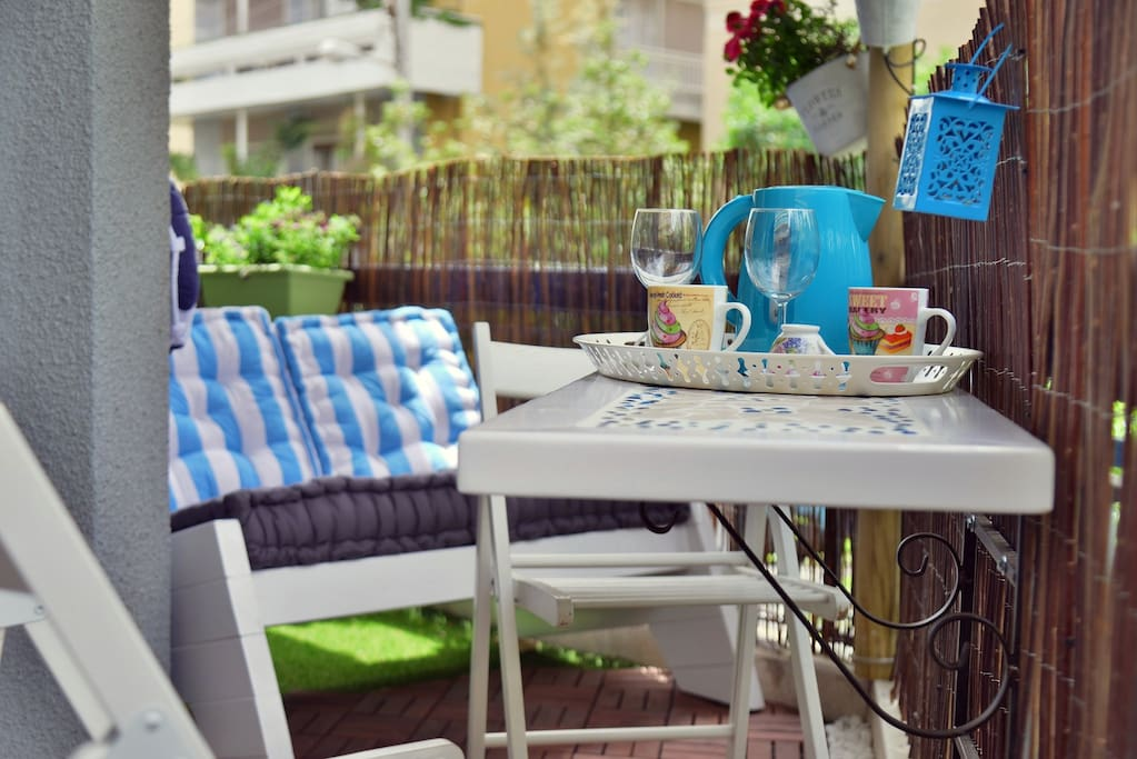 Have a beautifull breakfast in the blooming terraces