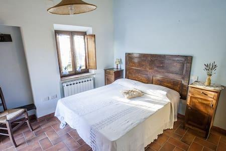 Casa nella campagna cortonese - Cortona (AR) - Apartamento