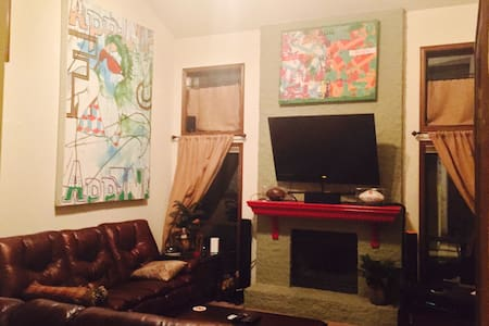 Quiet cul-de-sac Loft off I-35 Hassle Free - Norman