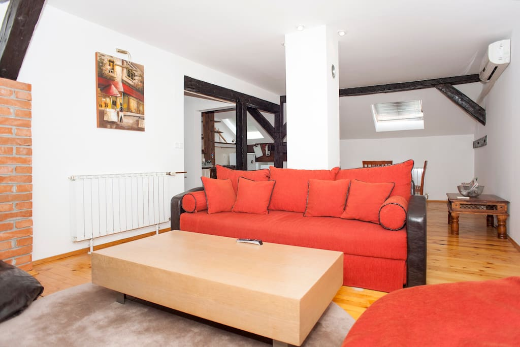 Cosy Apartment in Center-New Age