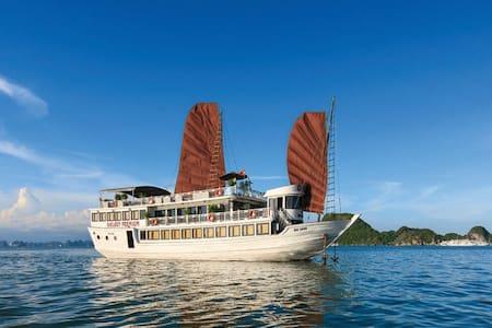 Halong Galaxy Premium Cruise - tp. Hạ Long