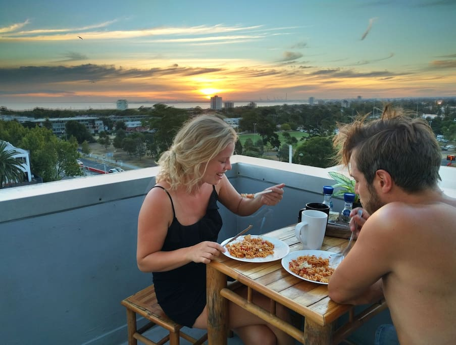 Balcony - Dine and have a glass of wine with breathtaking views of Melbourne