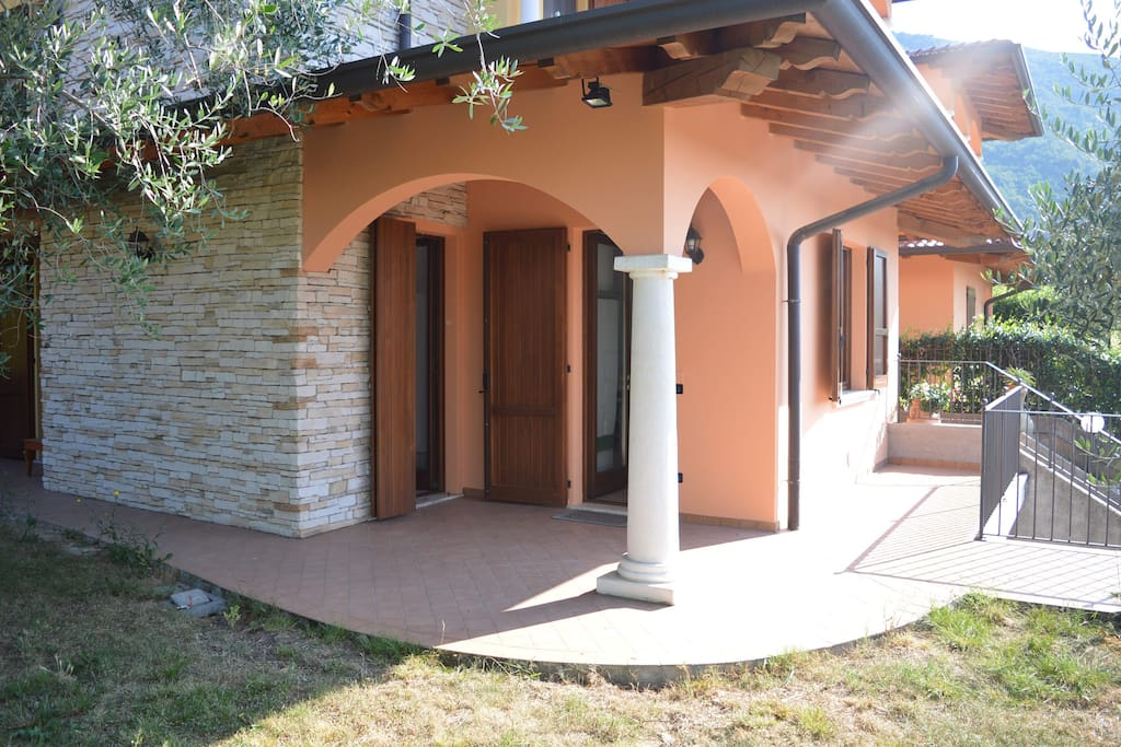 Comodo portico esterno