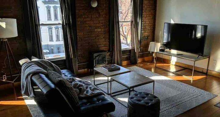 The Cherry Loft in perfect South Main location