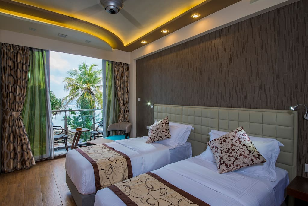 Vista beach retreat bed breakfasts for rent in for The family room hulhumale