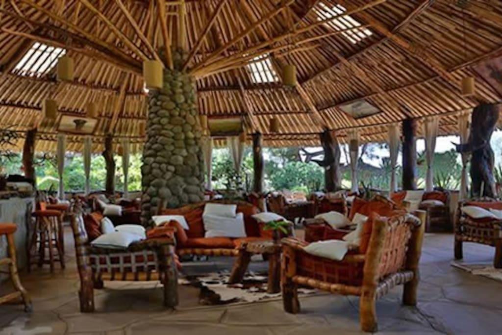 Dining in Kibo Safari Camp in Kenya
