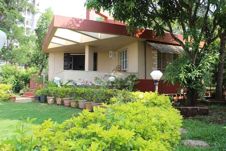 A Cosy Small Family Cottage - Lonavala - Hus