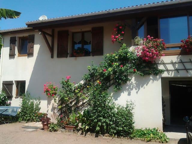 Gite des Agapanthes - Cluny - Casa