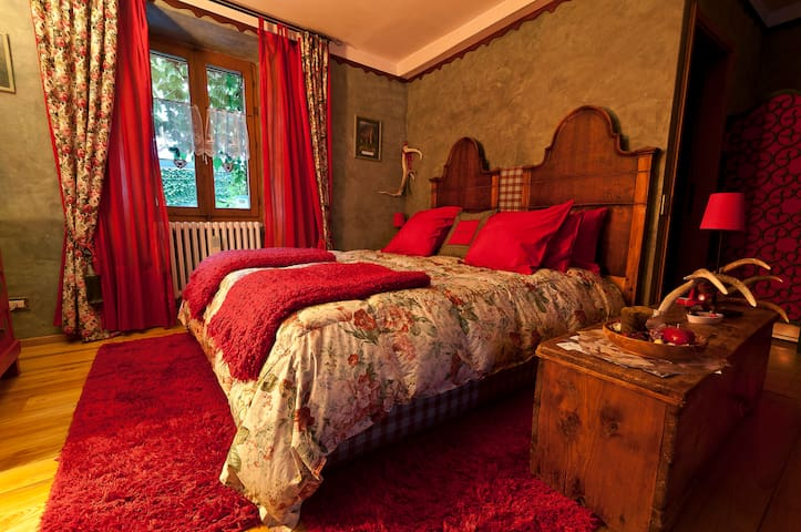 B&B La Selvatica- Dolls' room - Chiavenna