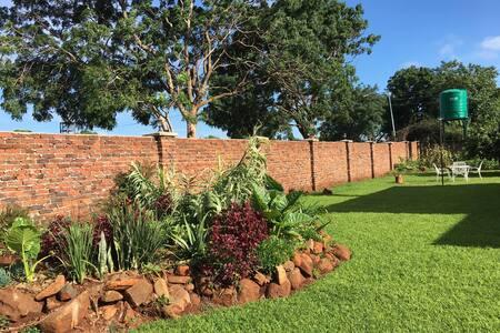 Hre, Belvedere 3 bedrooms & garden - Harare