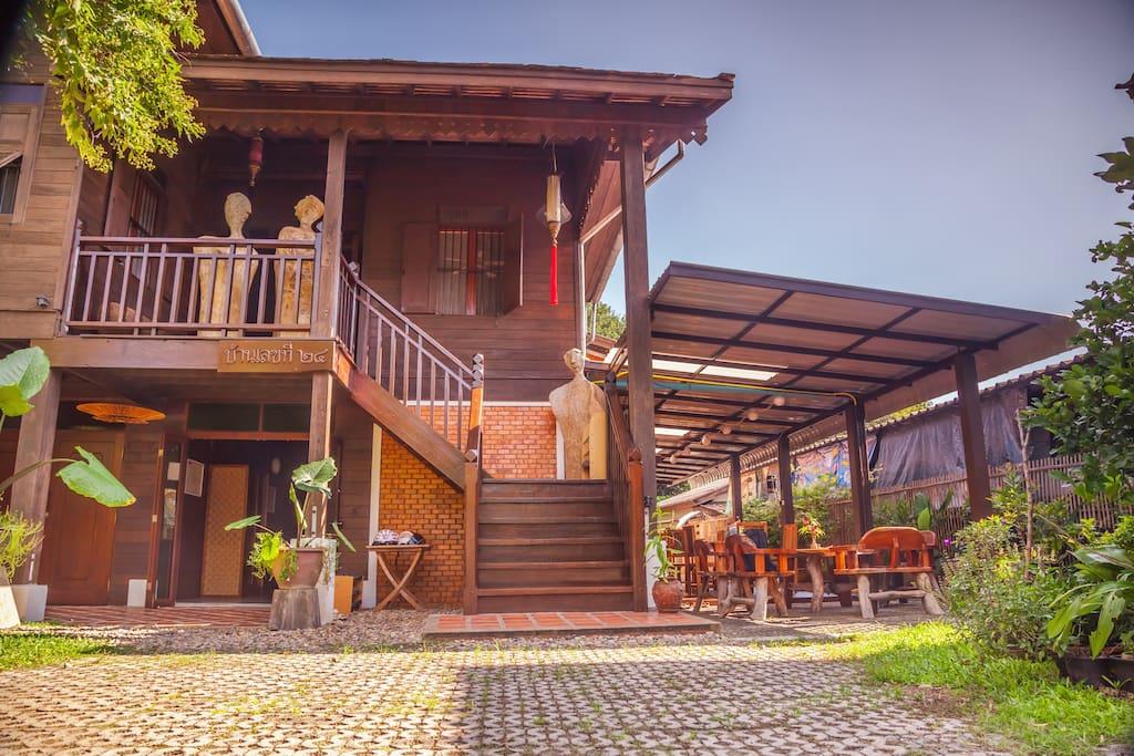 Welcome to the Swiss-Lanna Lodge - Bienvenue au Swiss-Lanna Lodge