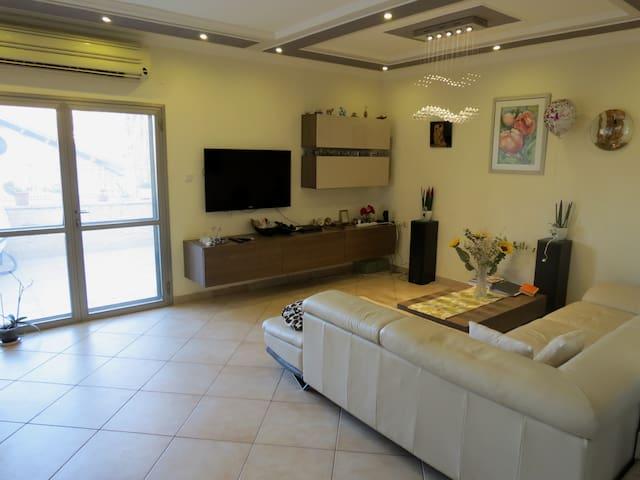 ★ Between Tel Aviv and Jerusalem Luxury House  ★