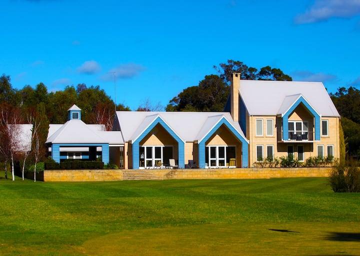 Luxury Vineyard Residence on Cape Lodge