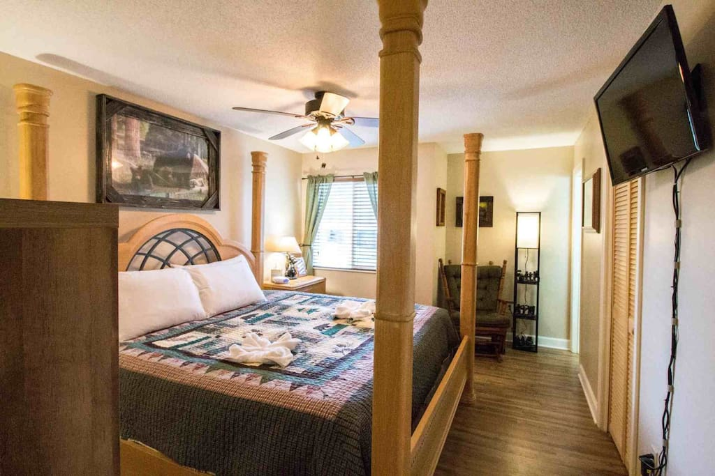 Master Bedroom features king poster bed and private bath!