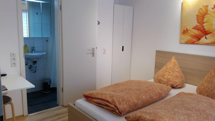 Gästezimmer-Doppelzimmer in Stettfeld bei Bamberg - Stettfeld
