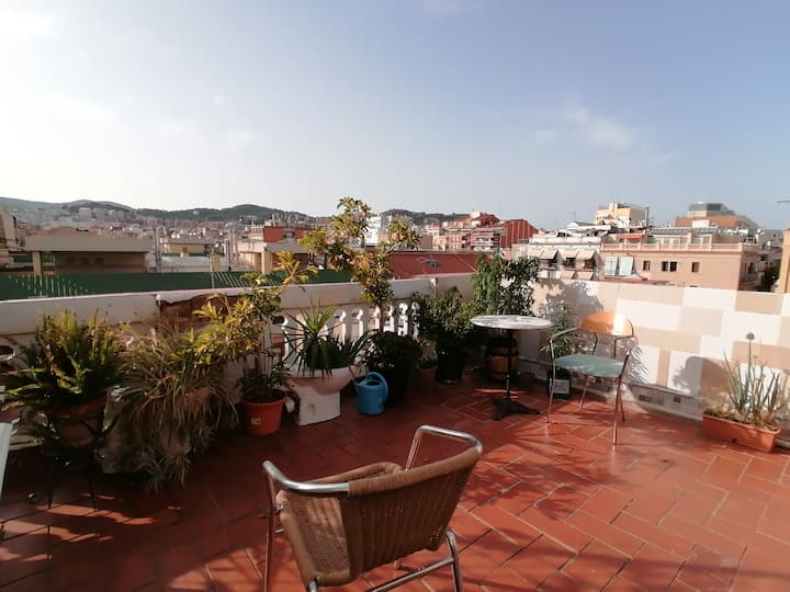 A RooF ToP- CharM DoubleBed Room ✓ Down Town
