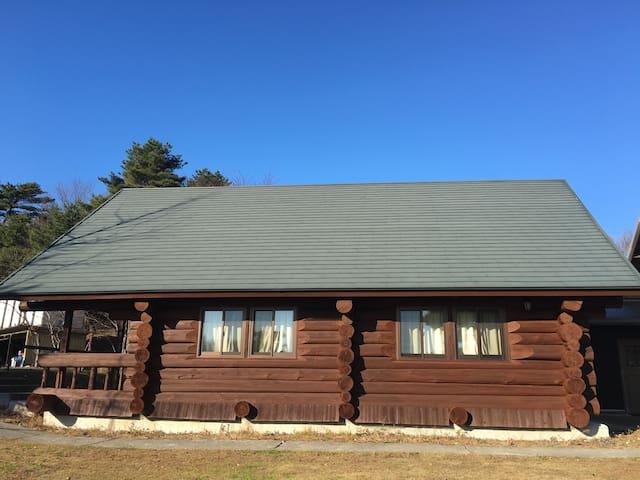 広々BBQ場完備 那須高原の大型ログハウス
