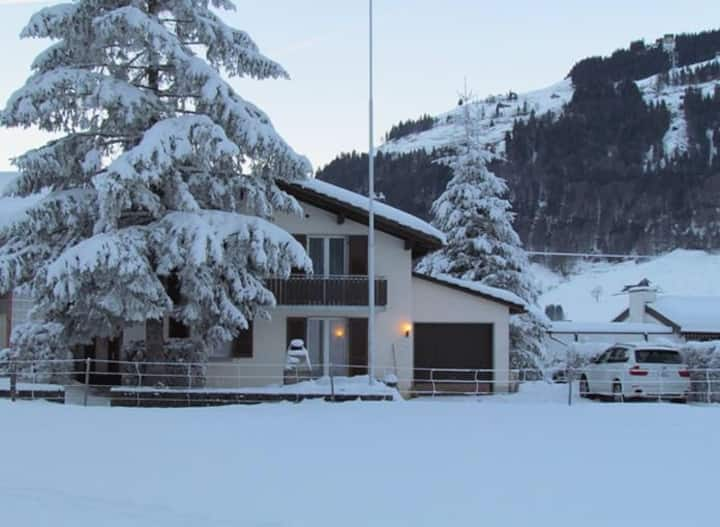 Cosy Swiss Chalet