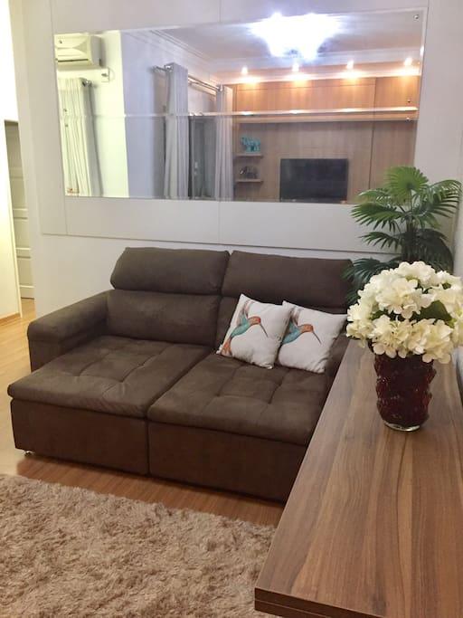 Sala com sofá suuper confortável!