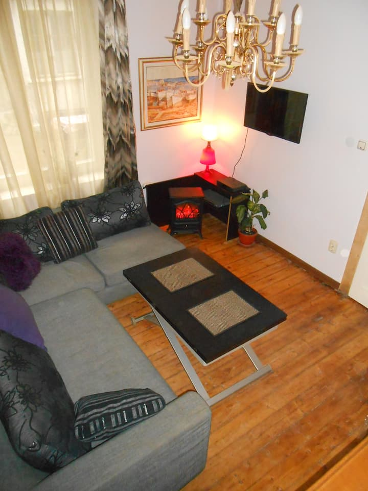 2 Bedroom Apartment for 5 people