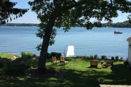 US OPEN - Private Lake Home - Delafield - Huis