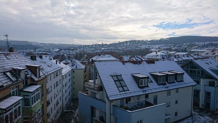 Stuttgart West || Helle Wohnung mit Ausblick für 2