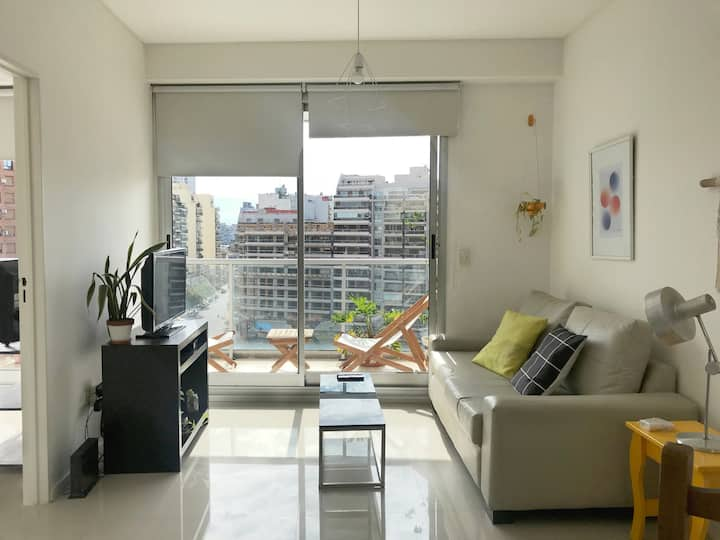 Modern / Bright apartment with balcony. Pool Gym