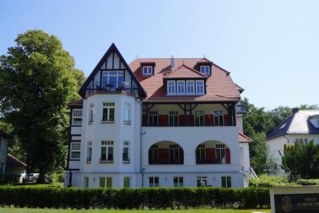 Hochwertige Ferienwohnung direkt an der Ostsee - Kühlungsborn