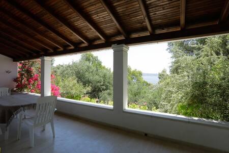 The Guest House,  Kerassia Beach, North Corfu - Korfu - Hus