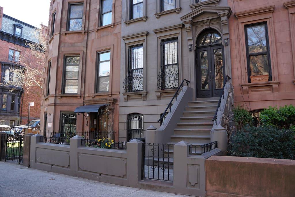 sunny brownstone in park slope appartamenti in