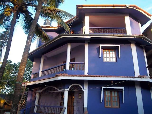 1 этаж дома у пляжа Ашвем 1 спальня - Morjim - บ้าน