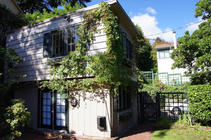 Classic Northwest Villa - Portland - Villa