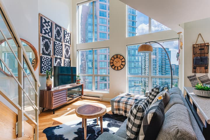 DOWNTOWN VANCOUVER 2 LEVEL LA BOUTIQUE LOFT - 1 BD/1BA/GYM